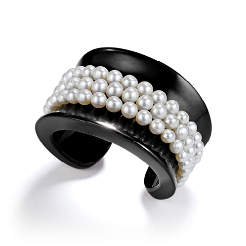 Belperron-Jewelry-Saddle-Black-Jade-Pearl-Cuff