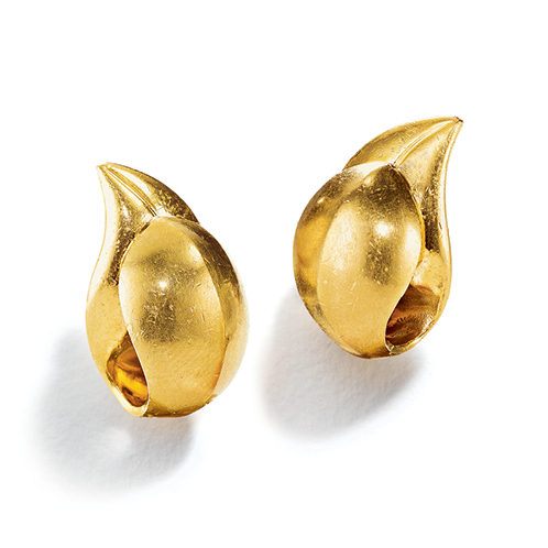 Belperron-Jewelry-Leaf-Virgin-Yellow-Gold-Earclips