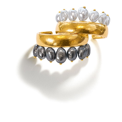 Couronne-Cuffs_Black-White-Pearl-Virgin-Gold_19_BP-In-house_RESIZED_498x498_acf_cropped